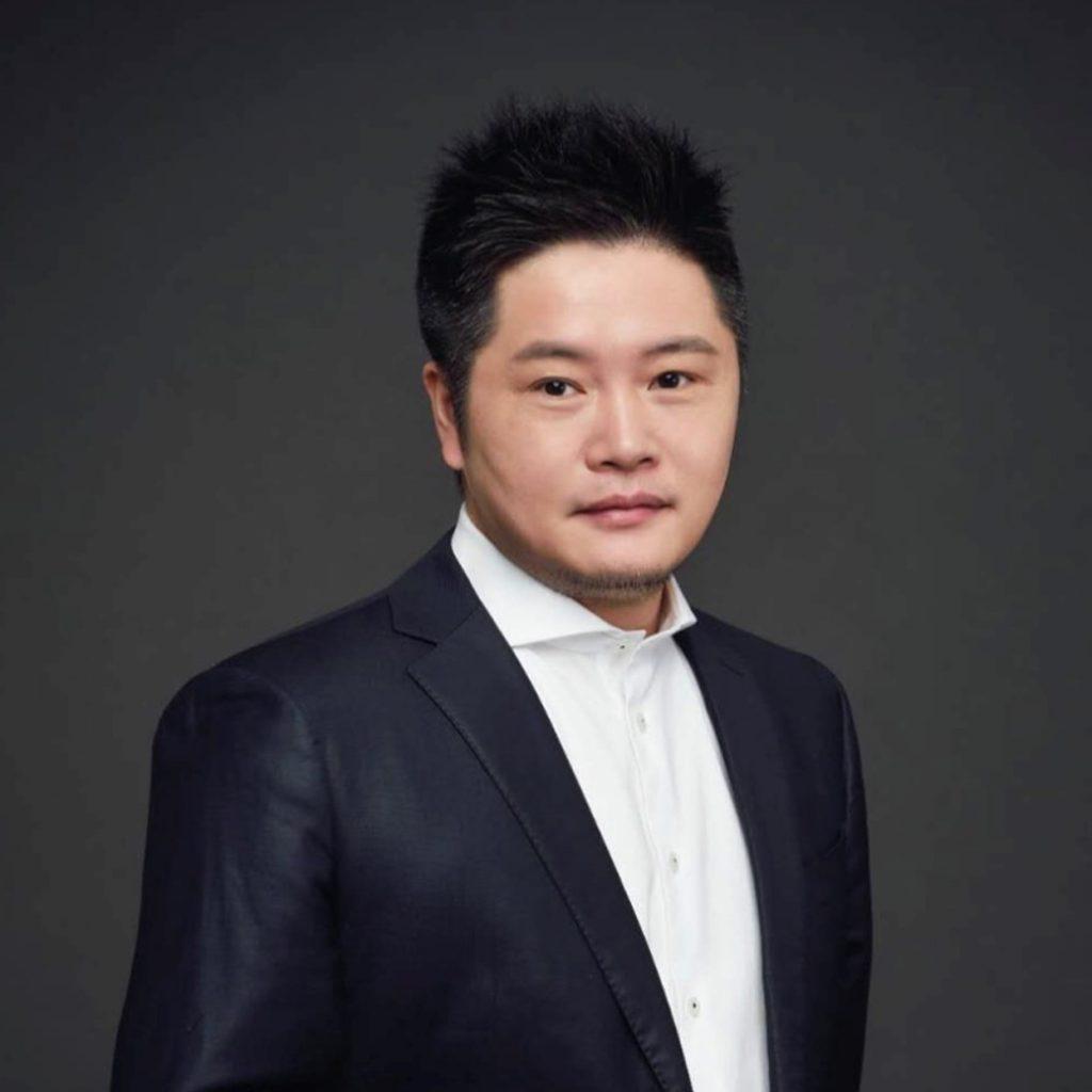 Q Chen